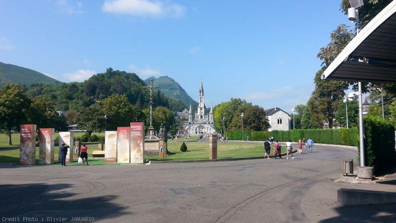 Lourdes et sa grotte
