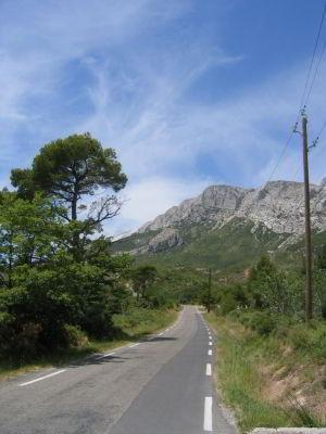 Sur la route de la Sainte Victoire