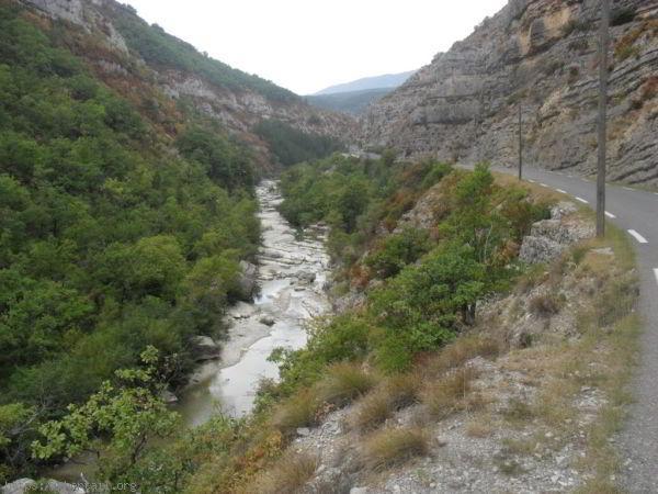 La rivière dans la gorge