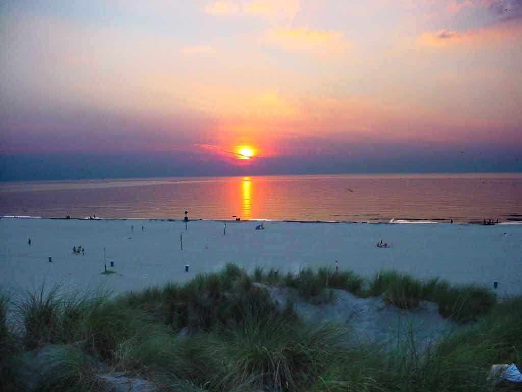 Wallpapers mer et montagne blague du jour - Fond ecran coucher de soleil sur la mer ...